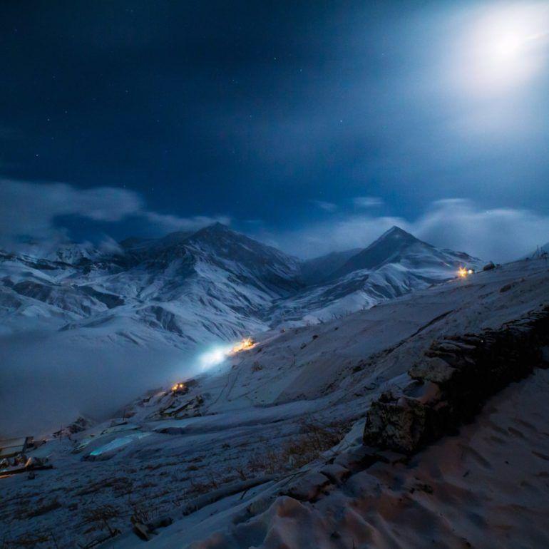 Фото Старый Куруш ночью
