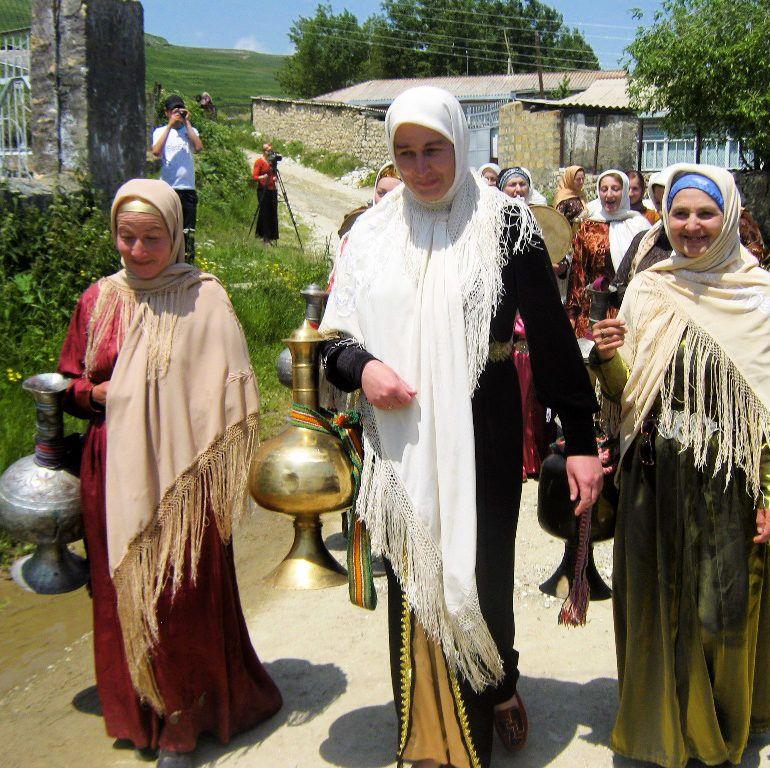 Фото Обряд выхода невесты к роднику