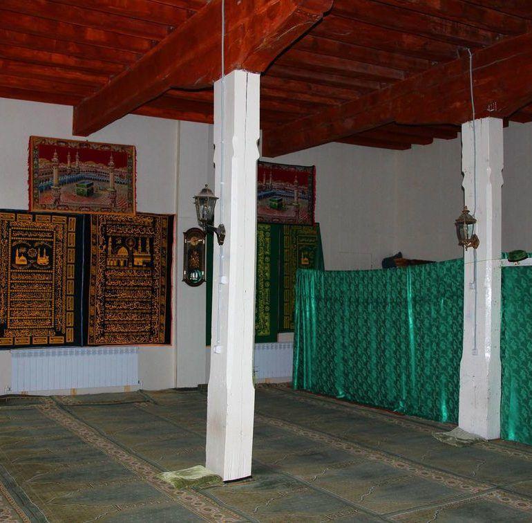 Фото Камни аргванинской мечети…