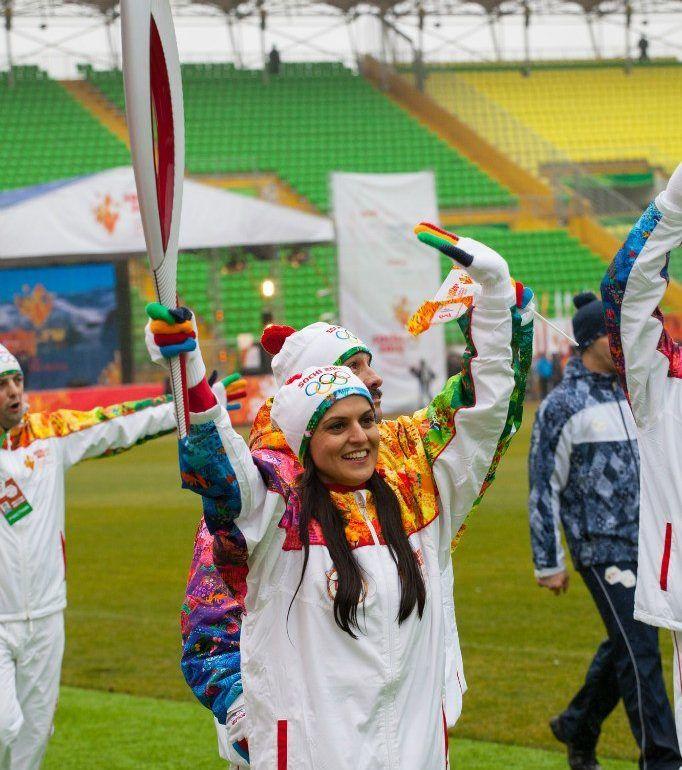 Фото Эстафета Олимпийского огня на «Анжи-арене»