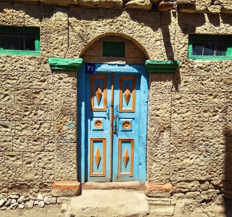 Фото Старые двери Корода