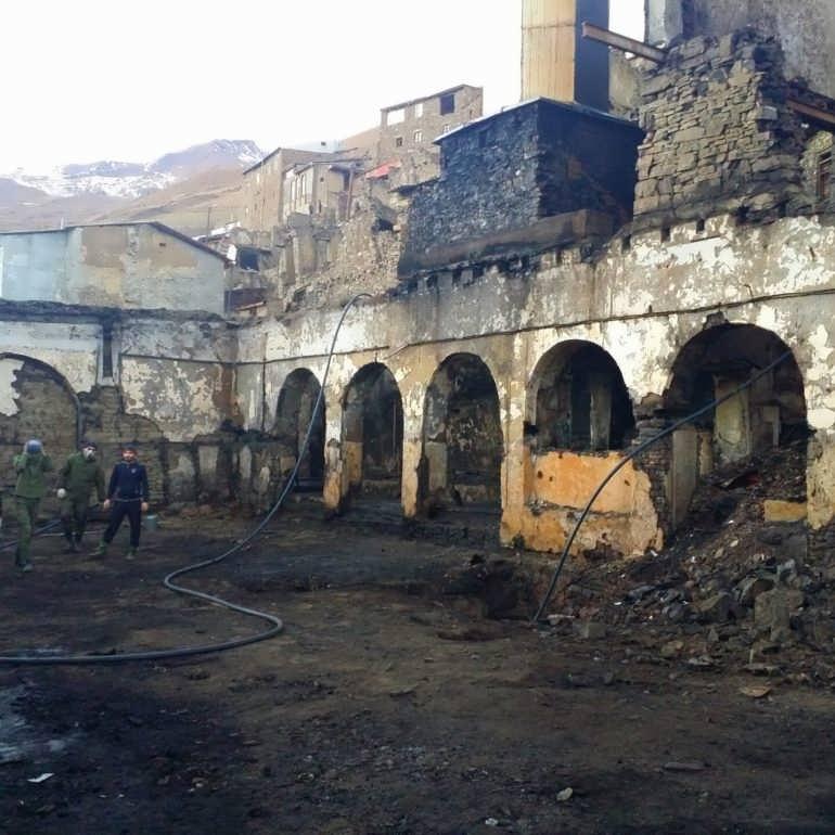 Фото Гочоб. Сгоревшая мечеть