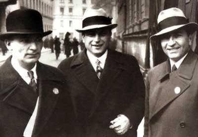 Первый слева - Григол Робакидзе, Мюнхен, 1935 год.