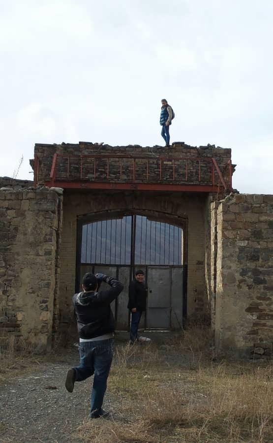 Photo арка у входа на завод