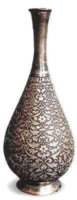 Декоративная ваза. Автор Г.-Б. Магомедов
