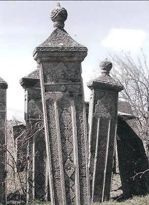 Памятники мастера Хасбулата Шахбанова, с. Уркарах