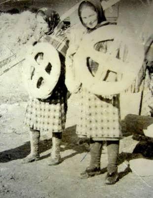 Хлебцы с крестами к празднику «ХъубяхIруме»